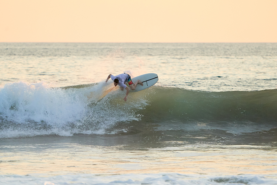 wl190200-surf-catch-52-eps-bb-gongsurfboards-cr-1b-125-2500.jpg