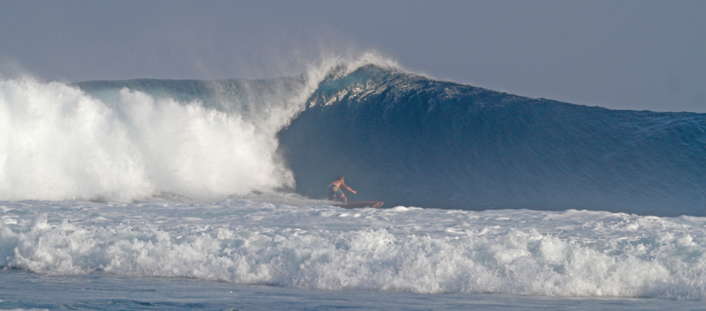 surf big tube ocean