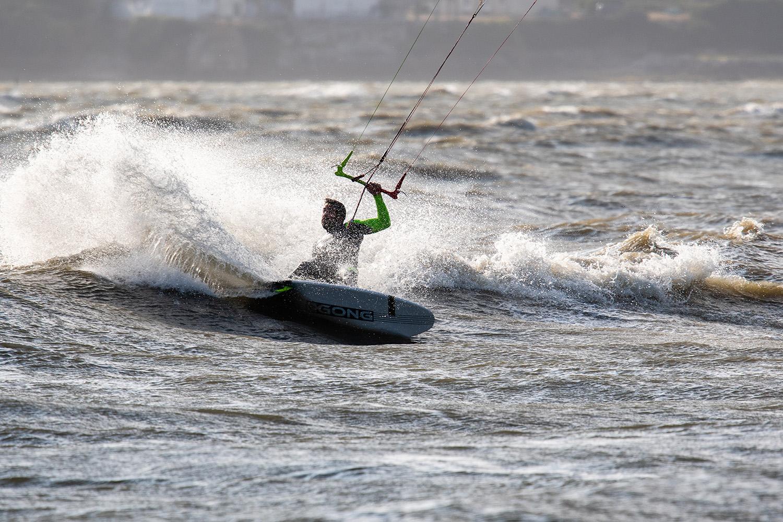 Kite surfeur session kite surf