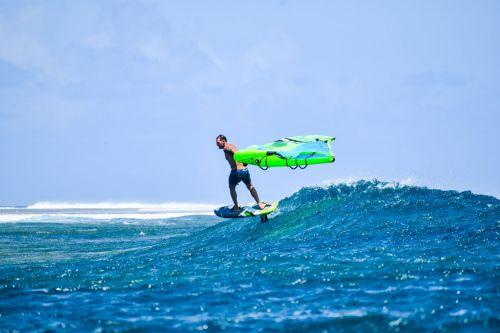 SURFER, SURFER ET SURFER …